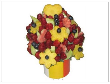 Yenebilir meyve çiçekler